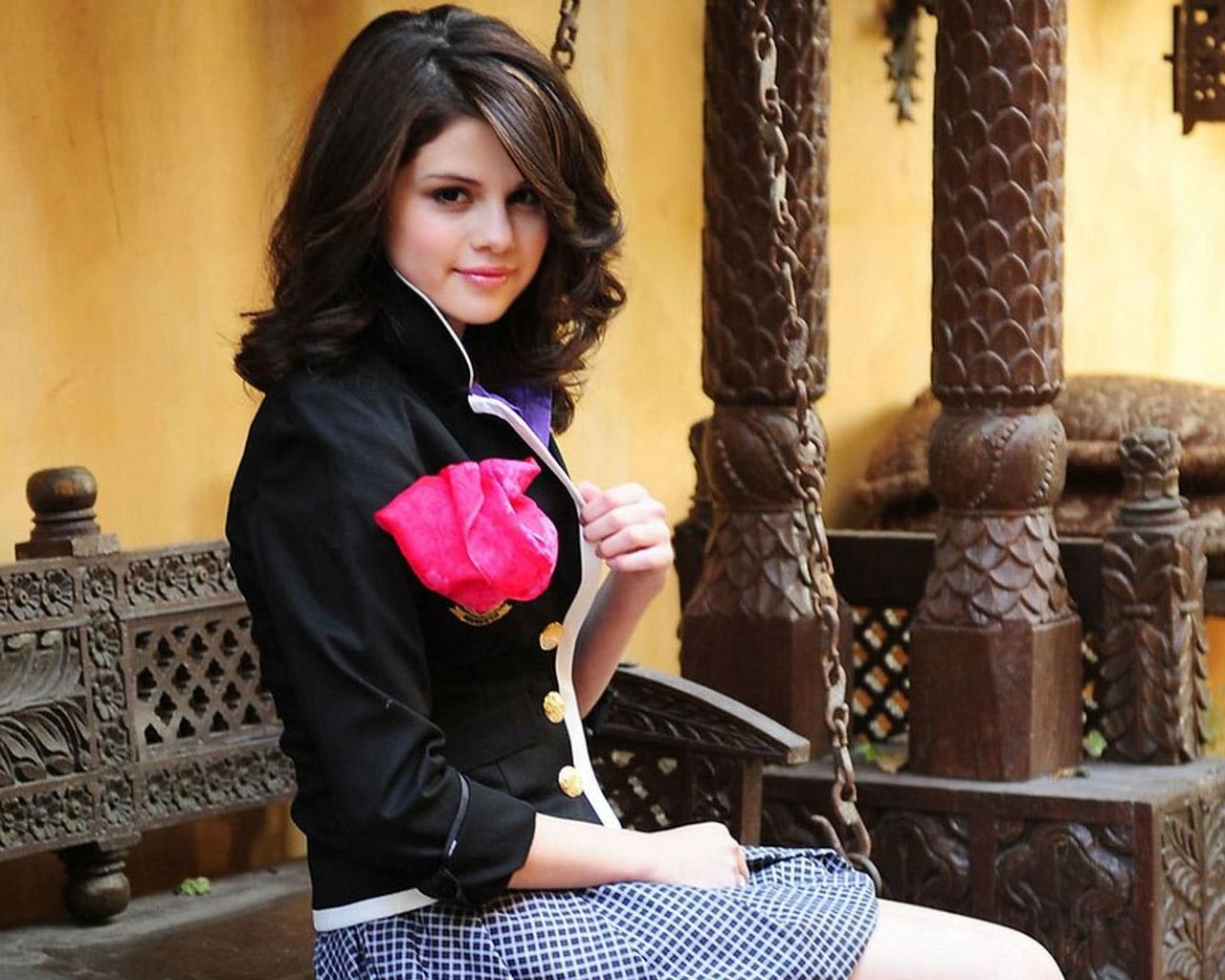 HD Wallpapers Selena Gomez 11