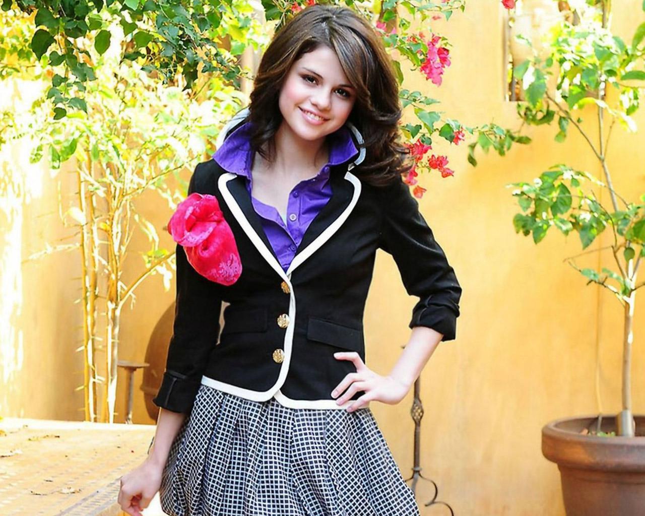 HD Wallpapers Selena Gomez 12