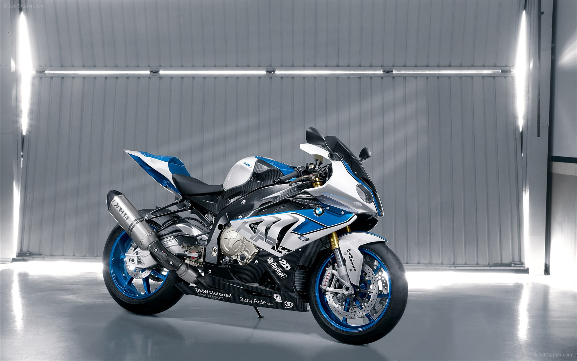 HD Wallpapers 2013 BMW HP4