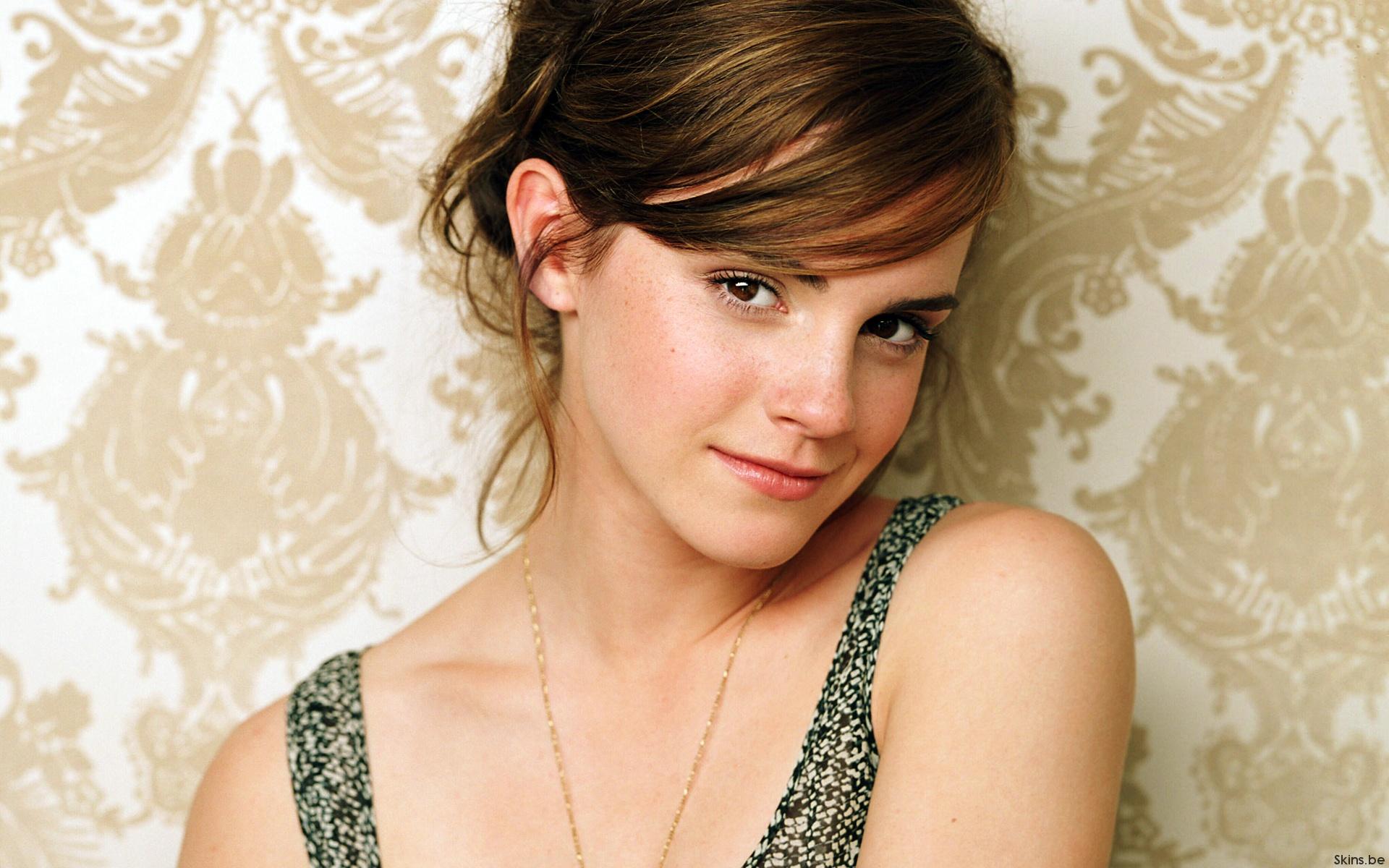 HD Wallpapers Emma Watson Hot Looks
