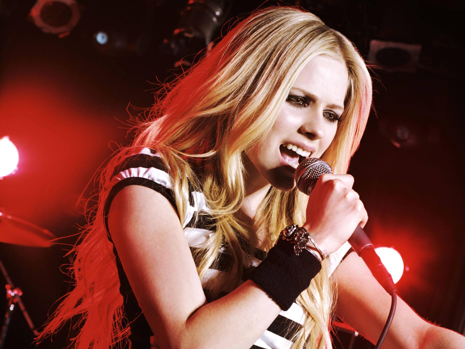 HD Wallpapers Avril Lavigne Live HD
