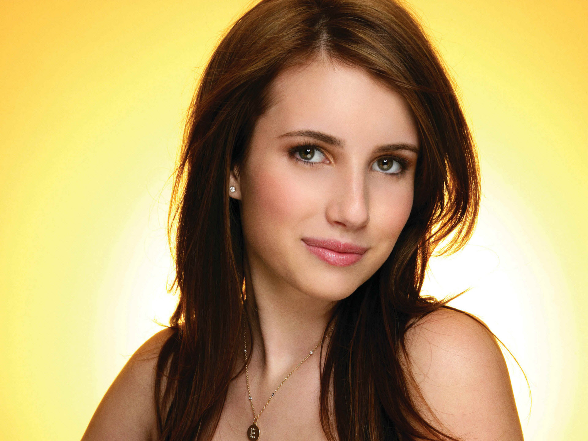 HD Wallpapers Emma Roberts Hotel For Dogs Shoot HD