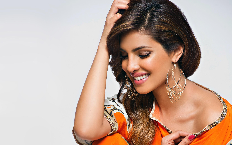 HD Wallpapers Priyanka Chopra Bollywood Actress